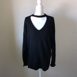 Vince Camuto V Neck Sweater with choker sz L